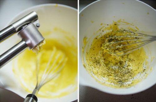 cách làm bánh mì bơ tỏi 4 cách làm bánh mì bơ tỏi Cách làm bánh mì bơ tỏi ngon quên sầu cho bữa sáng cach lam banh mi bo toi ngon quen sau cho bua sang 3