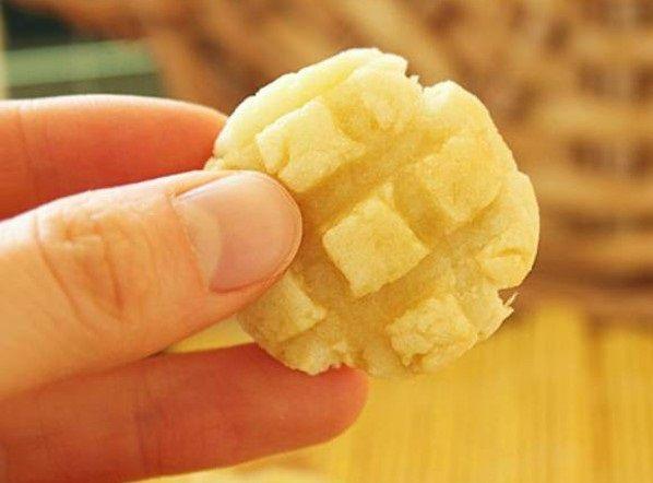 cách làm bánh quy khoai lang 4 cách làm bánh quy khoai lang Cách làm bánh quy khoai lang thơm nồng quyến rũ dễ ăn cach lam banh quy khoai lang thom nong quyen ru de an 6