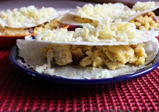 cách làm bánh trứng cay Mexico 2 cách làm bánh trứng cay Mexico Cách làm bánh trứng cay Mexico mới lạ đổi vị bữa sáng cach lam banh trung cay mexico moi la doi vi bua sang 9