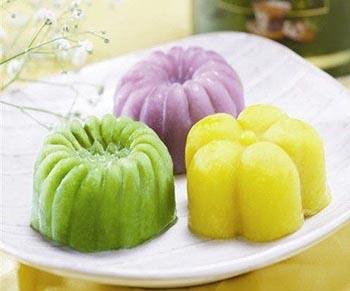 cach-lam-banh-trung-thu-deo-lanh-singapore-hap-dan-3 cách làm bánh trung thu rau câu lá dứa Cách làm bánh Trung thu rau câu lá dứa cực đẹp cực lạ cach lam banh trung thu deo lanh singapore hap dan 31
