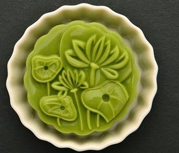 cach-lam-banh-trung-thu-rau-cau-la-dua-cuc-dep-cuc-la-1 cách làm bánh dẻo nước cốt dừa Cách làm bánh dẻo nước cốt dừa cho ngày rằm tháng Tám cach lam banh trung thu rau cau la dua cuc dep cuc la 11