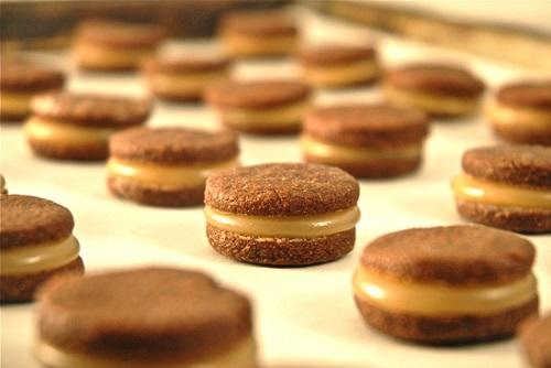 cách làm caramen cookies 5 cách làm caramen cookies Cách làm caramen cookies mới lạ hấp dẫn cực kỳ đơn giản cach lam caramen cookies moi la hap dan cuc ky don gian 5