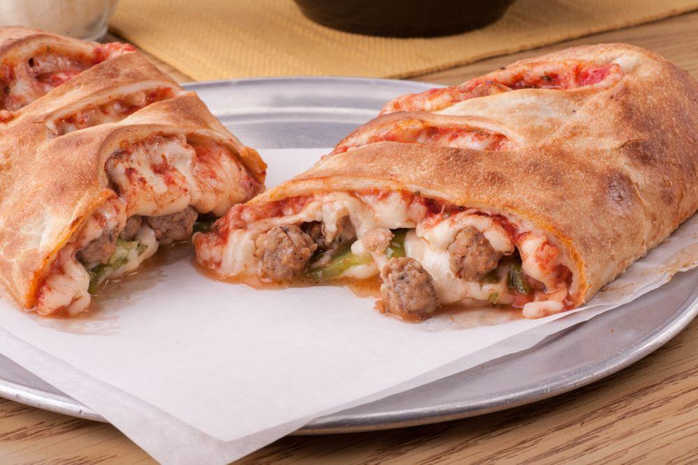 Cách làm pizza cuộn nhân phomai mới lạ ngay tại nhà