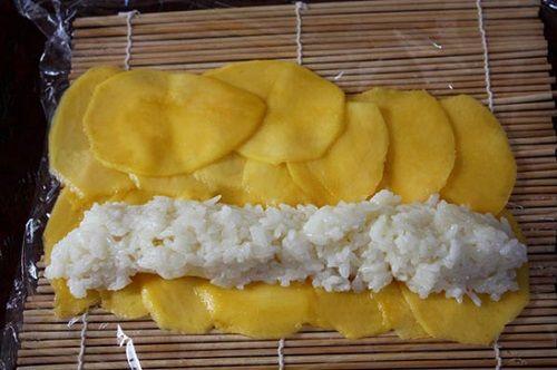 cách làm xôi xoài cuốn kiểu sushi 2