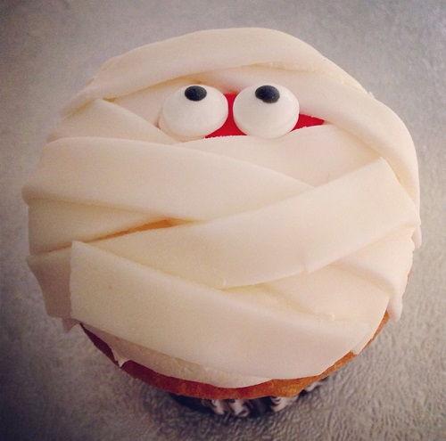 cách làm bánh cupcake xác ướp 3
