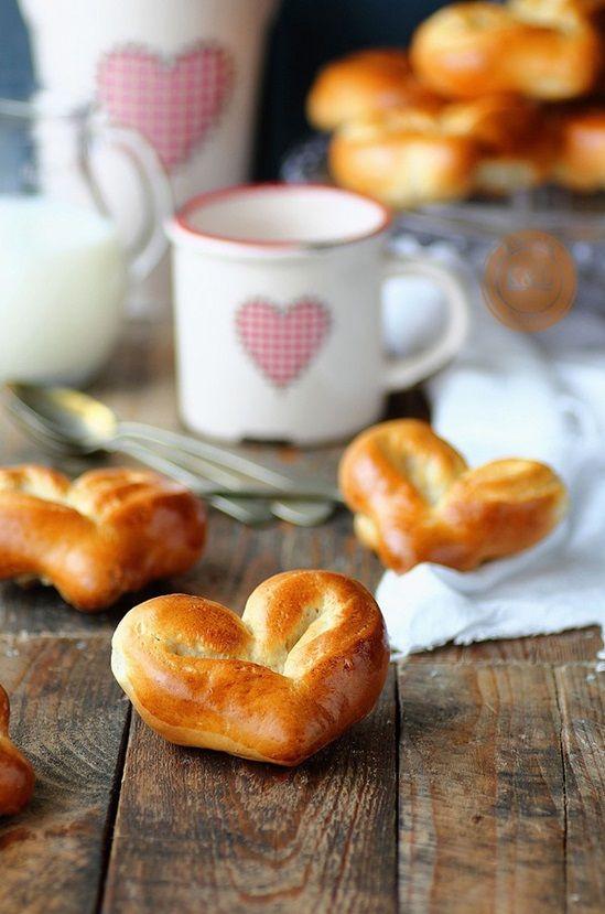 cách làm bánh mì trái tim 1 cách làm bánh mì trái tim Cách làm bánh mì trái tim ngọt ngào cho ngày 20/10 cach lam banh mi trai tim ngot ngao cho ngay 2010 1