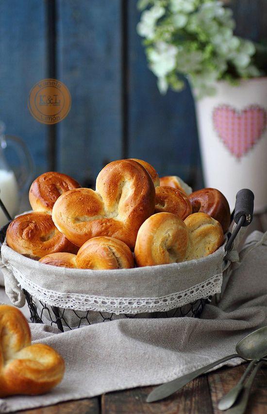 cách làm bánh mì trái tim 6 cách làm bánh mì trái tim Cách làm bánh mì trái tim ngọt ngào cho ngày 20/10 cach lam banh mi trai tim ngot ngao cho ngay 2010 6