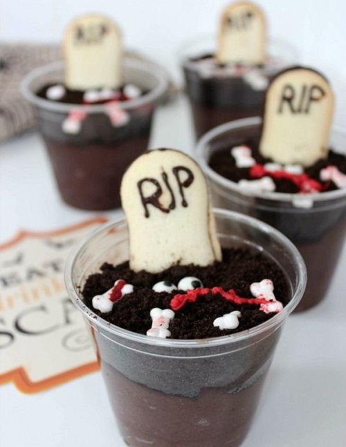 cách làm bánh pudding nghĩa địa 2 cách làm bánh pudding nghĩa địa Rùng rợn với món bánh nghĩa địa cho ngày Halloween cach lam banh pudding nghia dia ma quai dem halloween 2