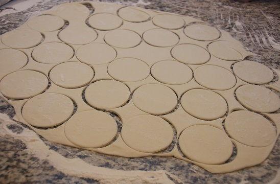 cách làm bánh quy socola kẹo dẻo 9 cách làm bánh quy socola kẹo dẻo Cách làm bánh quy socola kẹo dẻo mới lạ cực hấp dẫn cach lam banh quy socola keo deo moi la cuc hap dan 3