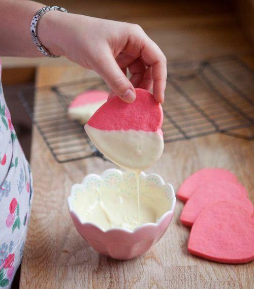 cách làm bánh quy trái tim hồng 5