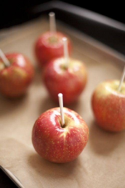 cách làm kẹo táo độc caramel 4