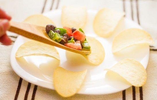 cách làm salad snack khoai tây 6 cách làm salad snack khoai tây Cách làm salad snack khoai tây hương vị mới lạ tại nhà cach lam salad snack khoai tay huong vi moi la tai nha 6