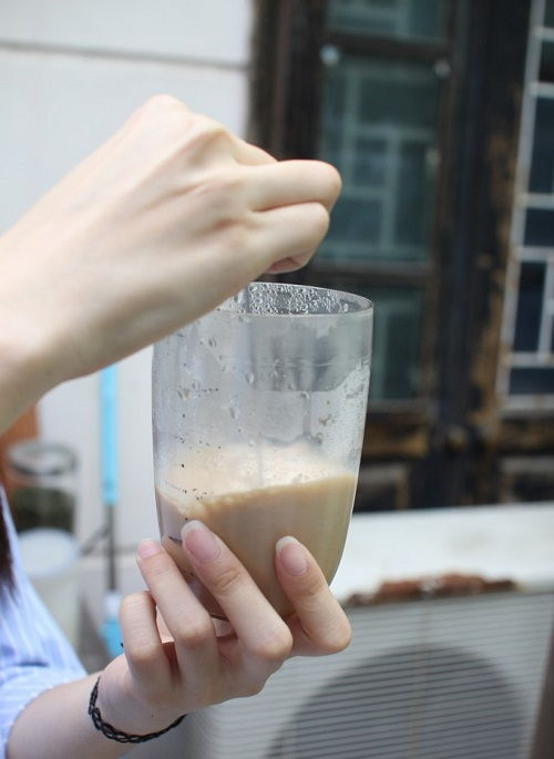cách làm trà sữa hokkaido 5 cách làm trà sữa hokkaido Cách làm trà sữa hokkaido ngon mê mẩn như ngoài hàng cach lam tra sua hokkaido ngon me man nhu ngoai hang 4