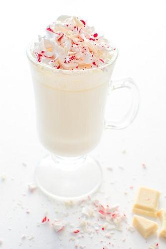 cách pha chocolate trắng bạc hà 1 cách pha chocolate trắng bạc hà Cách pha chocolate trắng bạc hà ngon như ở Starbuck cach pha chocolate trang bac ha ngon nhu o starbuck 1