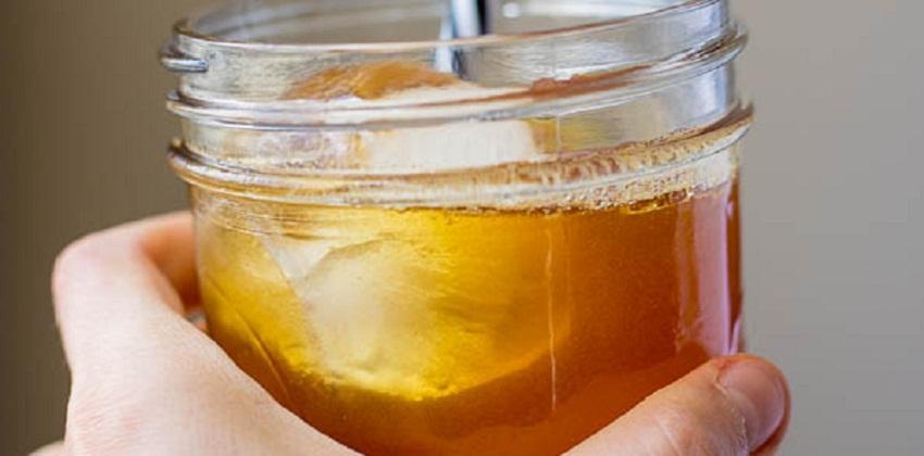 cách pha trà nghệ quế 3 cách pha trà nghệ quế Cách pha trà nghệ quế thơm lừng tuyệt ngon cực lạ cach pha tra nghe que thom lung tuyet ngon cuc la 3