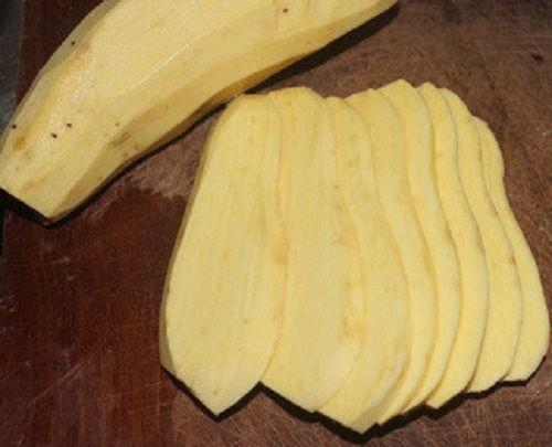 cách làm bánh khoai lang chiên tẩm dừa 1 cách làm bánh khoai lang chiên tẩm dừa Mùa đông làm bánh khoai lang chiên tẩm dừa ăn vặt tại nhà cach lam banh khoai lang chien tam dua an vat tai nha 1