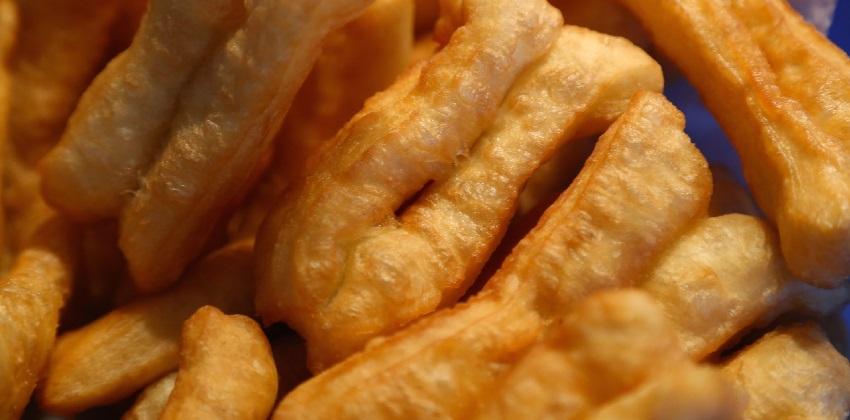 cách làm bánh quẩy 5 cách làm bánh quẩy Vào bếp làm bánh quẩy bằng bột bánh quẩy Vĩnh Thuận cực đơn giản cach lam banh quay bang bot tron san gion rum thom ngon 5