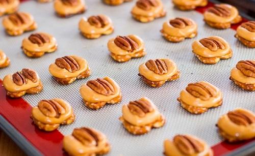 cách làm bánh quy socola hình con rùa 1 cách làm bánh quy socola hình con rùa Ngộ nghĩnh bánh quy socola hình con rùa cho mùa Giáng sinh cach lam mon banh quy socola con rua cho ngay giang sinh 3