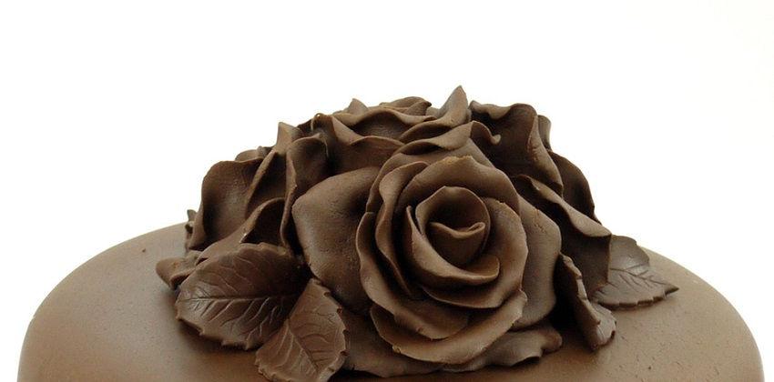 cách làm hoa hồng chocolate 5 cách làm hoa hồng chocolate Đẹp mê mẩn với cách làm hoa hồng chocolate cực dễ không thể bỏ qua dep me man voi cach lam hoa hong chocolate cuc de khong the bo qua 5
