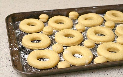 cách làm donut dừa 2 cách làm donut dừa Tuyệt ngon với cách làm donut dừa siêu lạ miệng không thể bỏ lỡ tuyet ngon voi cach lam donut dua sieu la mieng khong the bo lo 2