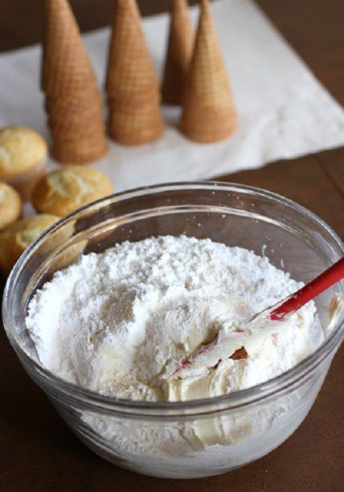 cách làm bánh cupcake cây thông noel 2 cách làm bánh cupcake cây thông noel Giáng sinh lấp lánh với bánh cupcake cây thông Noel siêu đáng yêu cach lam banh cupcake cay thong noel lung linh sac mau 2