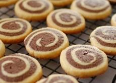 cách làm bánh Pinwheel Cookies 8