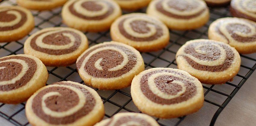 Bánh cookies vòng xoáy xinh xắn tặng bé đêm Giáng sinh