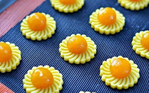 cách làm bánh tart dứa 10 cách làm bánh tart dứa Bánh tart dứa truyền thống ngon mê mẩn đón năm mới cach lam banh tart dua thom ngon hap dan don tet ve 9