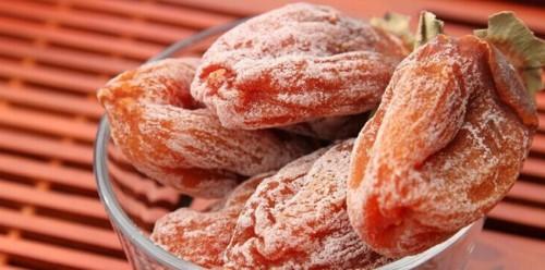 cách làm hồng khô Tự tay làm hồng khô siêu ngon mà lại cực dễ lai rai cả ngày cach lam hong kho sieu don gian lai ngon lai rai ca ngay 12 e1480600531142