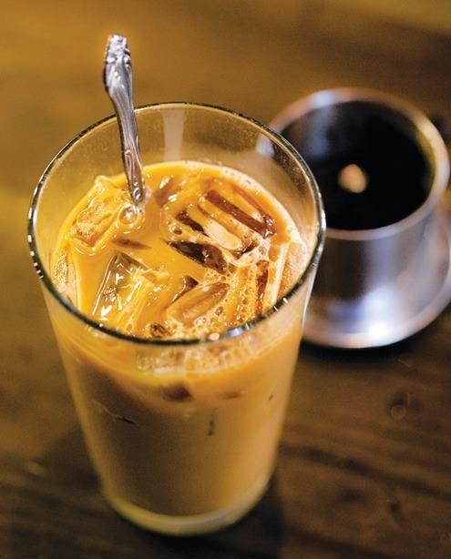 Cách pha cà phê sữa đá 5 cách pha cà phê sữa đá Chào buổi sáng với ly cà phê sữa đá thơm nồng cach pha ca phe sua da thom nong chao ngay moi cuc de 6
