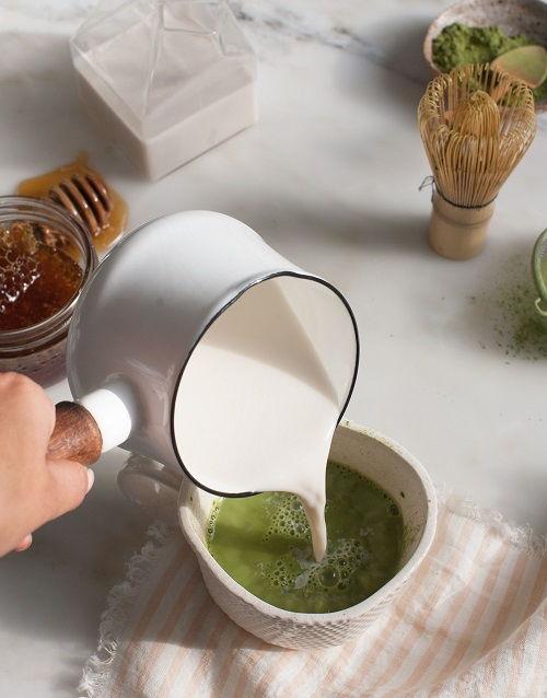 cách pha latte trà xanh 6