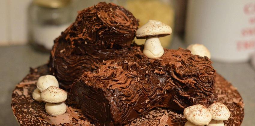 Độc đáo với cách làm nấm meringue trang trí bánh khúc cây tuyệt đẹp