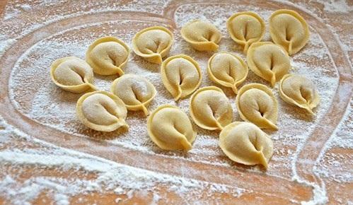 bánh hạnh phúc pelmeni 2 bánh hạnh phúc pelmeni Bánh hạnh phúc Pelmeni nổi tiếng ở xứ sở Bạch Dương banh hanh phuc pelmeni noi tieng o xu so bach duong 3