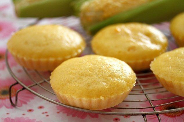 Vào bếp làm bánh ngô hấp dân dã giàu dinh dưỡng cực đơn giản