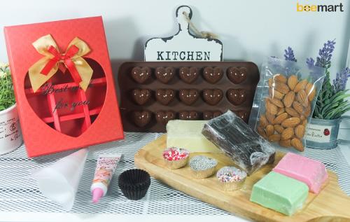 """nguyên liệu dụng cụ làm socola 1 nguyên liệu dụng cụ làm socola """"Thả thính"""" mùa Valentine với những bộ Kit Chocolate siêu ngọt ngào nhung nguyen lieu dung cu lam socola ngay valentine 1 e1485093668827"""