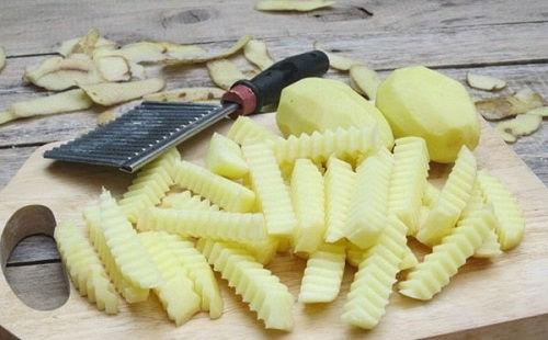 cách làm mứt khoai tây 2 cách làm mứt khoai tây Tuyệt ngon với cách làm mứt khoai tây dễ không tưởng tuyet ngon voi cach lam mut khoai tay de khong tuong 2