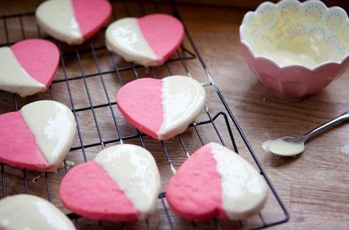 cách làm sandwich bánh quy kem hình trái tim 6 cách làm sandwich bánh quy kem hình trái tim Cách làm sandwich bánh quy kem hình trái tim ngọt ngào nhân ngày 8/3 cach lam sandwich banh quy kem hinh trai tim dang yeu 6