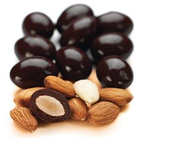 cách làm socola nhân cherry Cách làm socola nhân cherry dành tặng một nửa yêu thương cach lam socola hanh nhan ngot ngao danh tang nguoi ay 1 1