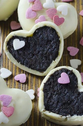 cách làm oreo truffle 1 cách làm oreo truffle Đổi vị với cách làm oreo truffle cho Valentine ngọt ngào doi vi voi cach lam oreo truffle cho valentine ngot ngao 1