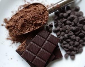 cách phân biệt socola chất lượng 4 cách phân biệt socola chất lượng Cách phân biệt socola chất lượng đơn giản nhất moi quan he mat thiet giua cacao va socola 1 300x238