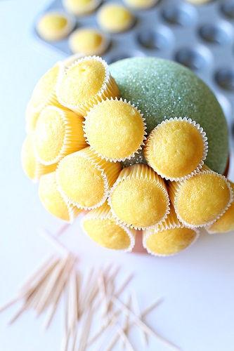 cách làm bình hoa cupcake 2