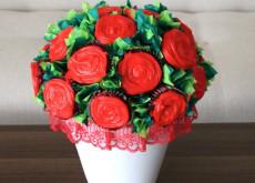 cách làm bình hoa cupcake 7