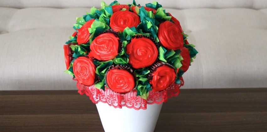 cách làm bình hoa cupcake 7 cách làm bình hoa cupcake Rực rỡ với cách làm bình hoa cupcake dành tặng mẹ yêu ruc ro voi cach lam binh hoa cupcake danh tang me yeu 7