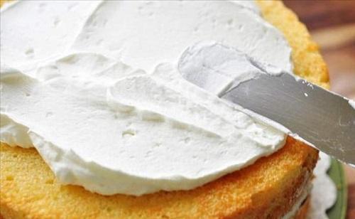 cách làm bánh gato dâu tây 11 cách làm bánh gato dâu tây Bánh gato dâu tây ngọt ngào dành tặng người phụ nữ bạn yêu cach lam banh gato dau tay ngot ngao nhan ngay 83 11