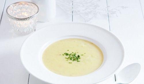 cách làm súp kem khoai tây 1 cách làm súp kem khoai tây Súp kem khoai tây thơm ngon- món tráng miệng siêu dinh dưỡng cach lam sup kem khoai tay cho bua sang dinh duong 1