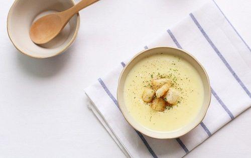 cách làm súp khoai lang phomai 4 cách làm súp khoai lang phomai Súp khoai lang phomai đầy dinh dưỡng cho bữa sáng tràn đầy năng lượng cach lam sup khoai lang phomai dinh duong cho bua sang 9
