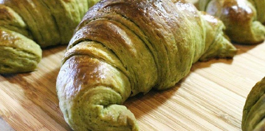 cách làm bánh sừng bò trà xanh 9 cách làm bánh sừng bò trà xanh Độc đáo với cách làm bánh sừng bò trà xanh thơm lừng gian bếp doc dao voi cach lam banh sung bo tra xanh thom lung gian bep 9