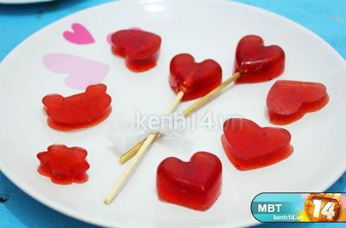 cách làm kẹo dẻo 9 cách làm kẹo dẻo Cách làm kẹo dẻo trái tim hồng trong vòng 3 nốt nhạc huong dan lam keo dau deo cho valentine trang ngot ngao 10
