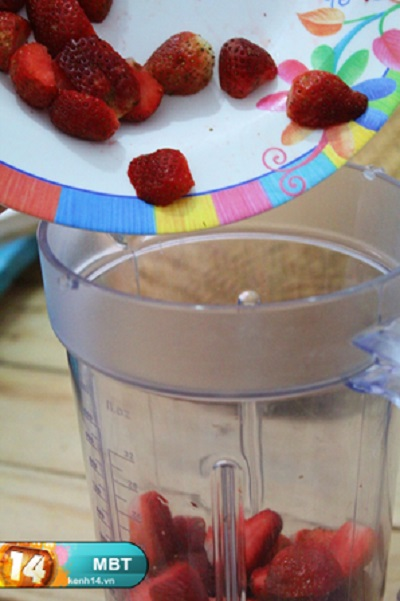 cách làm kẹo 2 cách làm kẹo dẻo Cách làm kẹo dẻo trái tim hồng trong vòng 3 nốt nhạc huong dan lam keo dau deo cho valentine trang ngot ngao 2