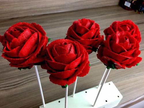 cách làm cakepop hoa hồng 1 cách làm cakepop hoa hồng Mê mẩn với cách làm cakepop hoa hồng tặng mẹ ngày 8/3 me man voi cach lam cakepop hoa hong tang me ngay 83 1